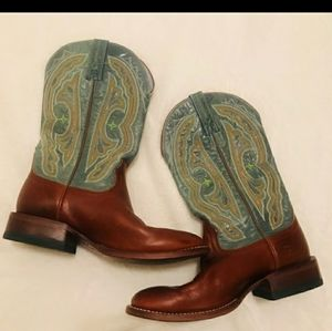 Ariat cowgirl boots brown & blue